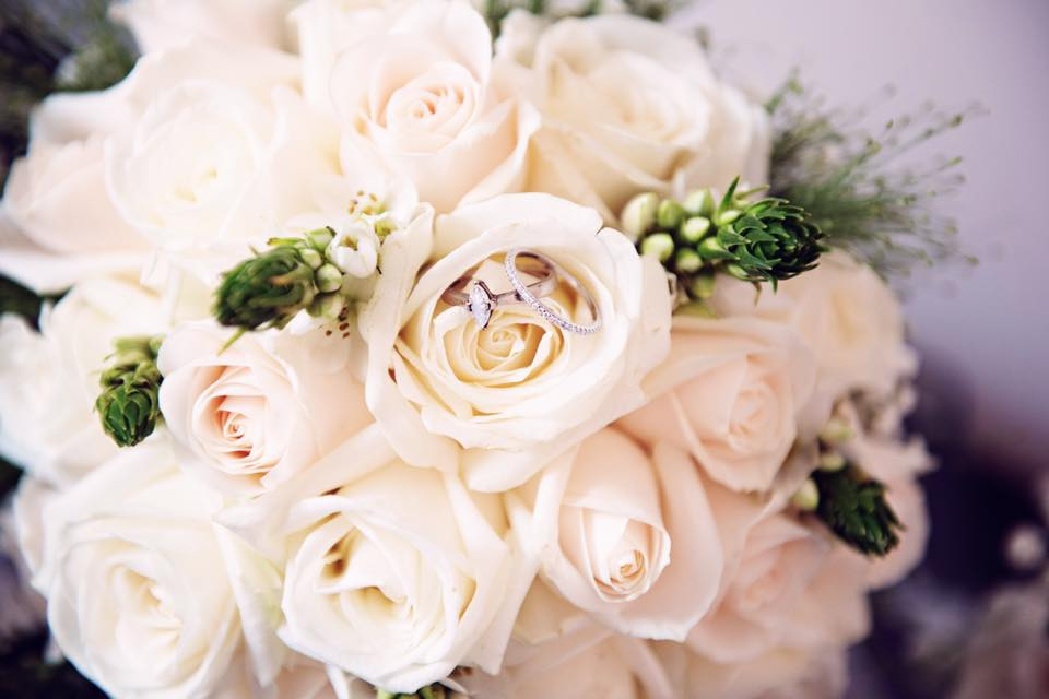 Top Roses with rings